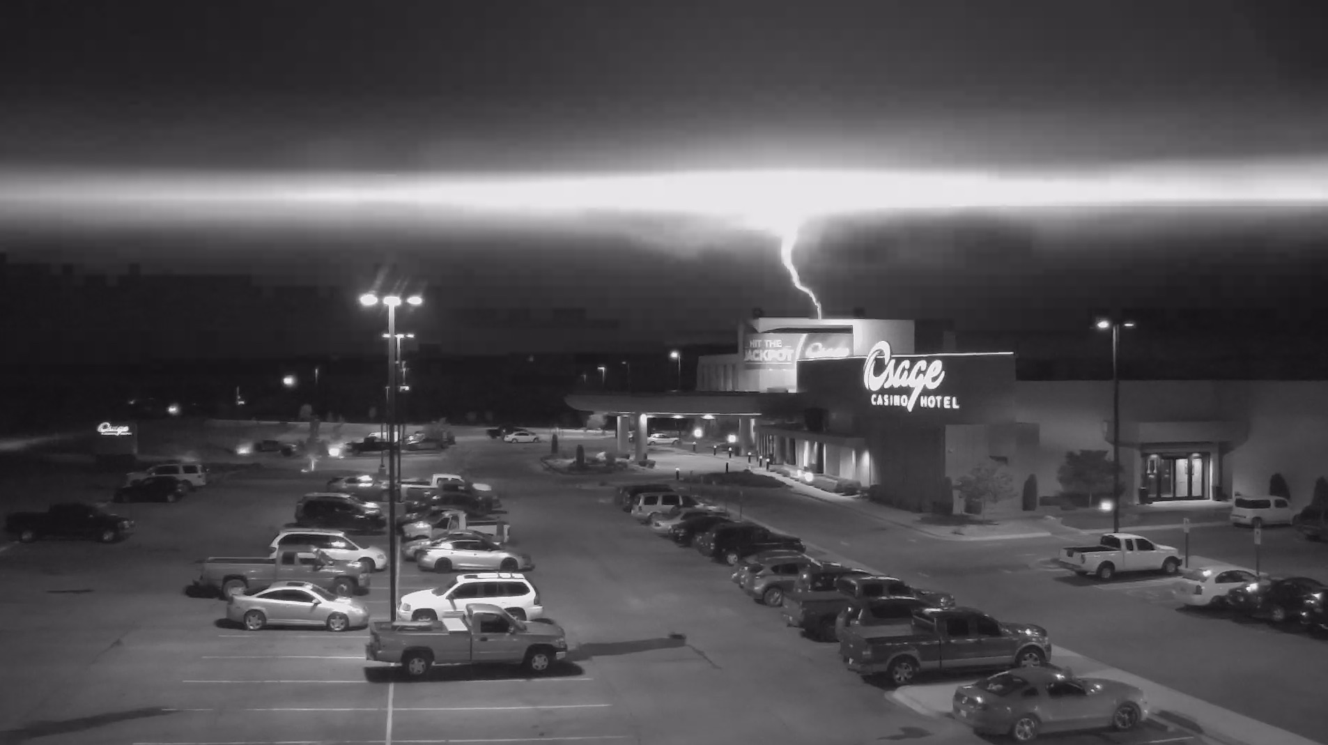 Lightning strike causes temporary outage at Bartlesville Osage Casino