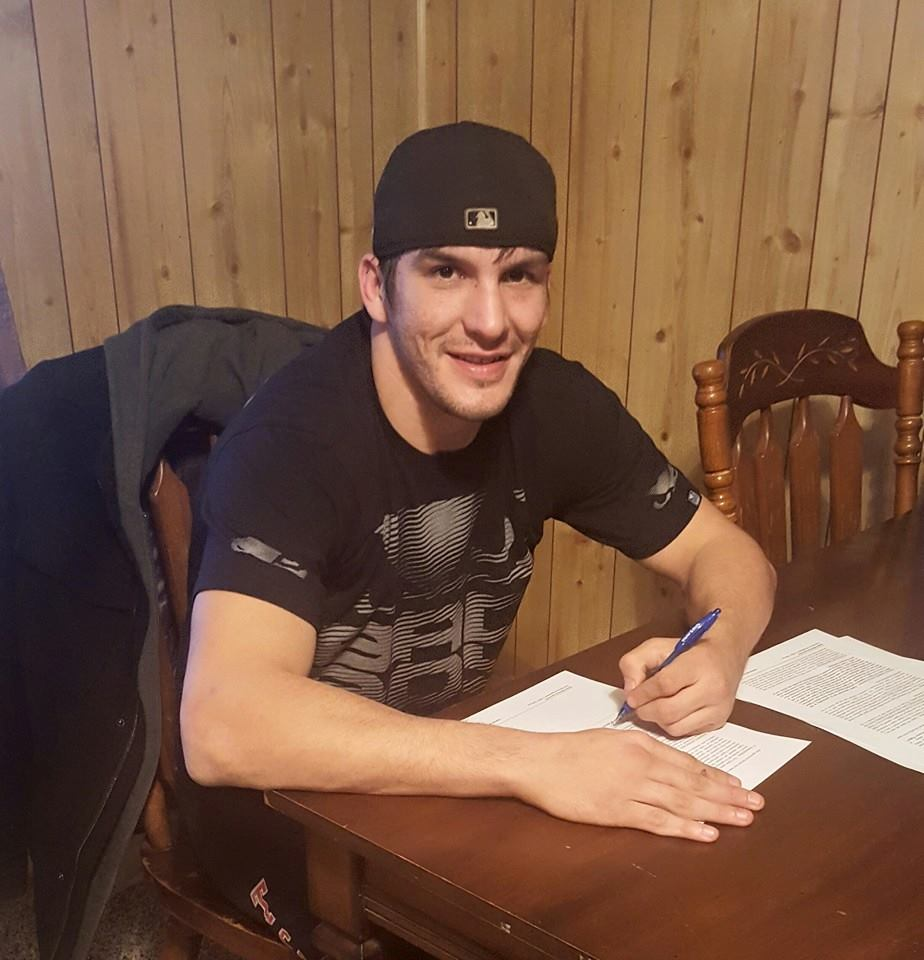 Osage MMA fighter signs contract to fight in Bellator MMA