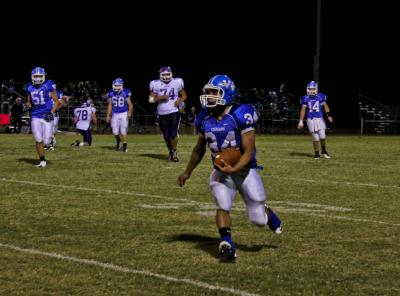 Football teams advance to round two of playoffs